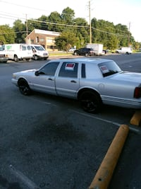 Lincoln - Town Car - 1995 Capitol Heights, 20743