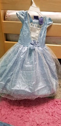 Princess dress costume with hoodie size 3T Stafford, 22556