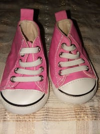 pair of pink Converse All Star low-top sneakers Oklahoma City, 73128
