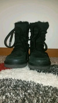 New UGGS *rare* lace up sz 13