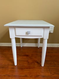 End table night stand Davie
