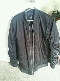 black zip-up jacket Brampton, L6V 3A3