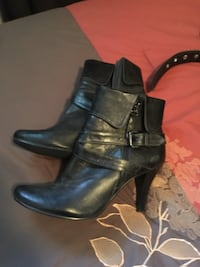 pair of black leather heeled booties Lake Country, V4V 1G1