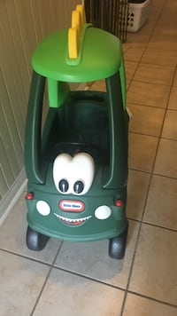 green and blue Little Tikes cozy coupe Vaughan, L6A 2X5