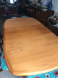 Mid Century Modern Dining Table with a leaf Toronto, M3H 4M9