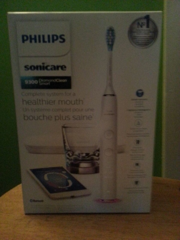 Philips sonicare diamond clean 9300 toothbrush