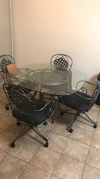 Kitchen table with 4 rolling chairs Largo, 33771
