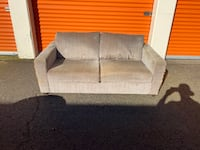 Grey/grey Loveseat (DELIVERY INCLUDED