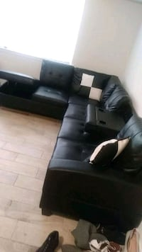 black and white sectional couch District Heights, 20747
