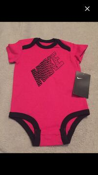 **brand new with tags Nike size 3/6months