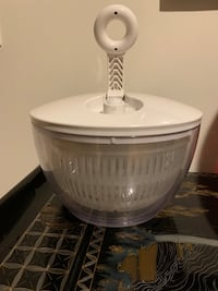 Pampered Chef Salad Spinner