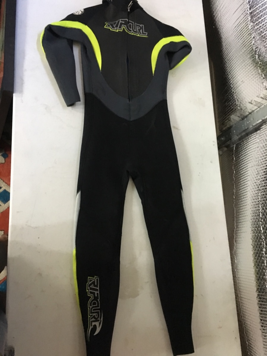 green and black wet suit - Rockford