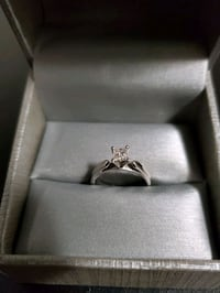 14k white gold Solitaire engagement ring Toronto, M9C 4W4