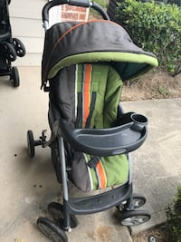 Baby's gray and green stroller Spring, 77386