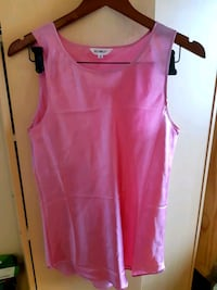 Bright pink top New Westminster, V3L 5P1