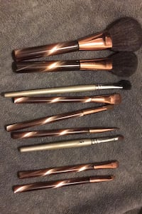 Full makeup brush set with two extra brushes