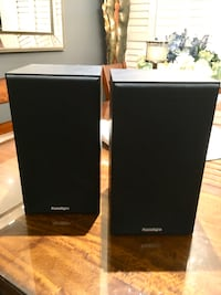 Paradigm Speakers with stands  Toronto, M1R 1Z6