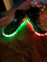 LED sneakers  New Albany, 47150