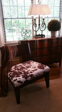 Occasional chair faux cowhide Yorktown, 23692