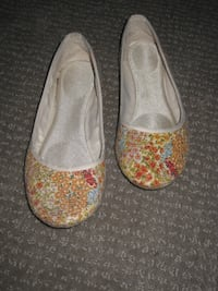 Ballet Flats / Dress Shoes (Size: 7) Calgary