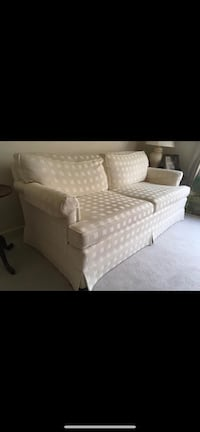 Couch Rockville, 20853