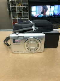 Nikon coolpix 20.1mp CAMERA  Kansas City, 66102