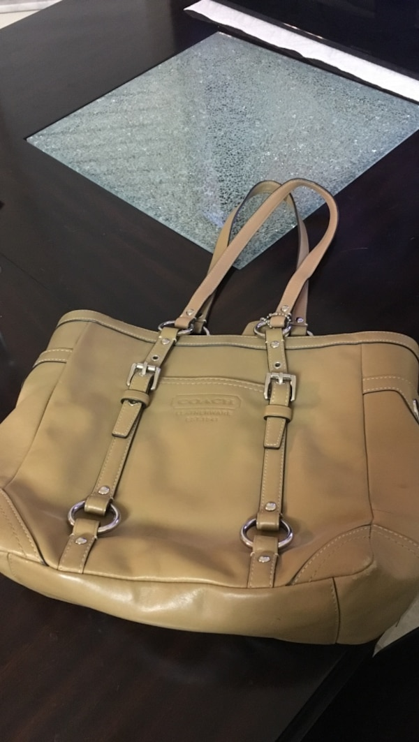 ce8d5cb3064 beige leather Coach tote bag. HomeFashion and Accessories Wesley Chapel