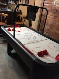Table air hockey  Salaberry-de-Valleyfield, J6S 1E3