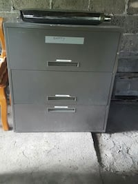 2 large filling cabinets