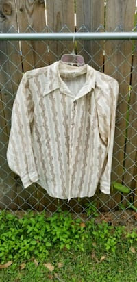 white and gray button-up shirt size lg Conway, 29527