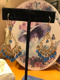 Gorgeous Gold Victorian Earrings with Blue Crystals Gainesville, 20155