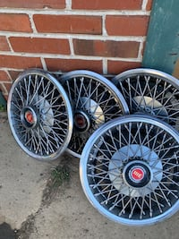 Ford 13 in wire wheel covers Derwood, 20855