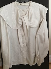Women's Long Sleeves Shirt/ Size L Farmington Hills, 48336