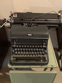 Antique Old Royal Typewriter