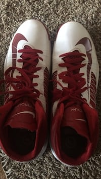 NIKE Red and white Hyperdunks SIZE 16 Bel Air, 21014