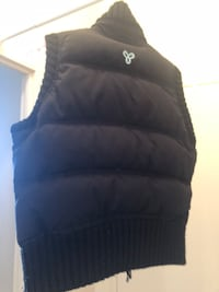 Black and baby aqua vest TNA size medium for women selling it as is! Give me your best offer if you are interested! Toronto, M6L