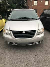 Chrysler - Town and Country - 2006 Baltimore