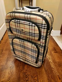 Gorgeous Carryon luggage  Toronto, M9C 4T4