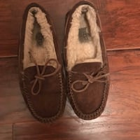 pair of brown suede loafers 42 km