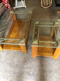 2 piece table set Farmingdale, 07727