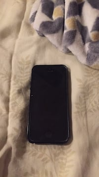 Space gray iphone 5s with case Silver Spring, 20906