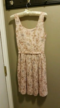 women's pink and white floral sleeveless dress Calgary, T1Y 6Z6
