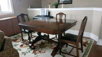 Antique Spiesz Furniture Dining Room Set Guelph, N1H 6H9