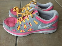 Youth girls size 5.5 Nike Runners Guelph, N1K 1Y7
