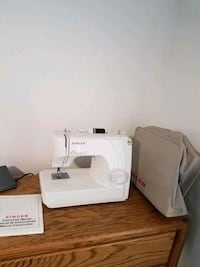 Singer Portable sewing machine  model 1703 Wilsonville, 97070