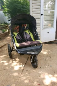 Expedition Ex jogging stroller with Mp3 player...  Falls Church, 22043