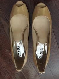 MK nude patent leather open toe size 6 shoes $40 REDUCED Toronto, M4N 0A4