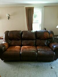 brown leather 3-seat recliner sofa Holliston, 01746