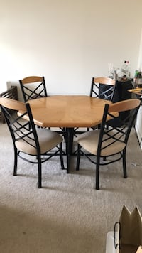 Dinning Table Set Arlington, 22201