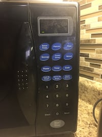 Black microwave perfect condition  Mississauga, L5V 2Z8